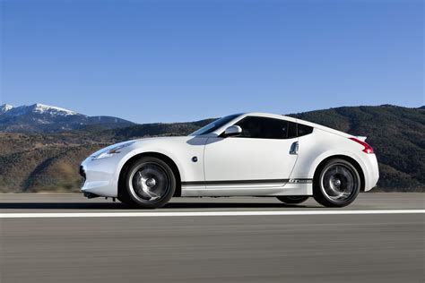 Nissan Gives The 2018 370z An Update And Adds Gt Edition