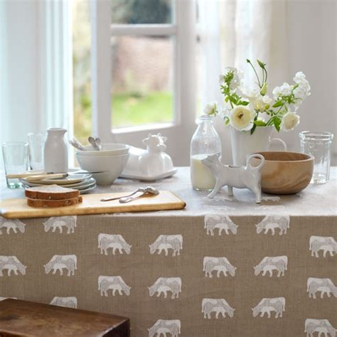 country kitchen table kitchen decorating ideas kitchen