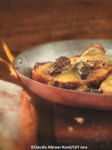 cuisiner les morilles poulet de bresse au vin jaune et aux morilles recipe menu meals and food