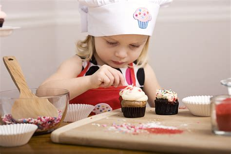 cuisiner avec un cuisiner avec des enfants recettes faciles pour enfants