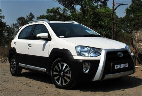 Toyota Etios Valco Hd Picture by Toyota Etios Cross Features Engine Specification Mileage