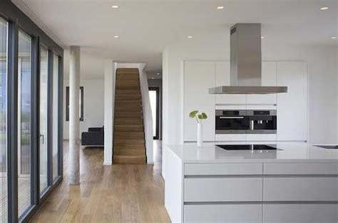 modern  shape house design  lorentz roth architects