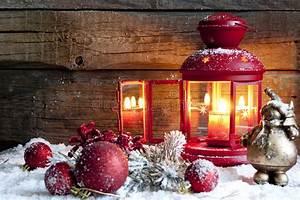 Lanterne De Noel : babioles et lanterne de no l dans la nuit image stock image 27622287 ~ Teatrodelosmanantiales.com Idées de Décoration