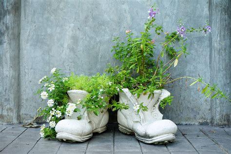 shoe  boot planter ideas