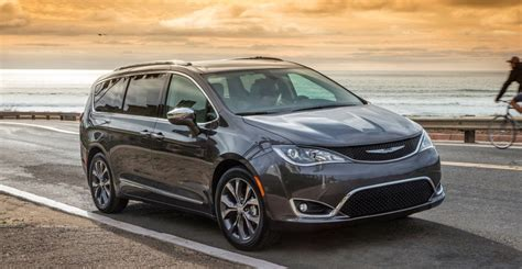 Chrysler Rumors by 2019 Chrysler Pacifica Rumors Changes Release Date
