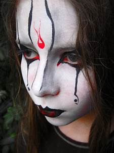 Maquillage D Halloween Pour Fille : maquillage fille gothique anniversaire enfant ~ Melissatoandfro.com Idées de Décoration