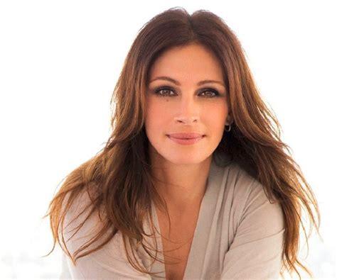 how old is actress julia roberts julia roberts biography childhood life achievements