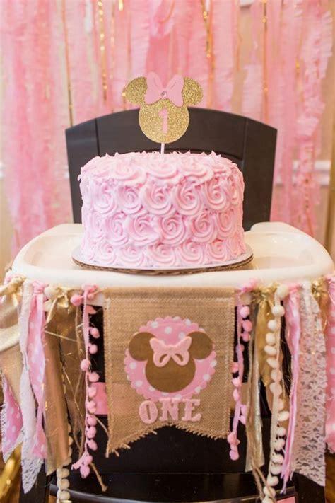 minnie mouse en dorado  rosa dale detalles