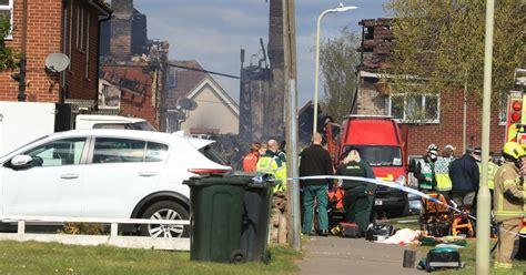 ledakan ashford lingkungan mengeluarkan peringatan pasokan listrik setelah ledakan melukai