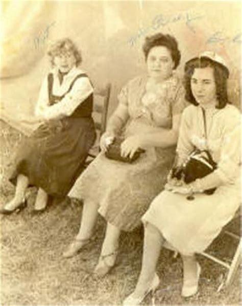 presley wayne smith gladys presley center her sisters elvis pinterest