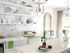 picture of backsplash kitchen 1000 ideas about white cottage kitchens on 4186
