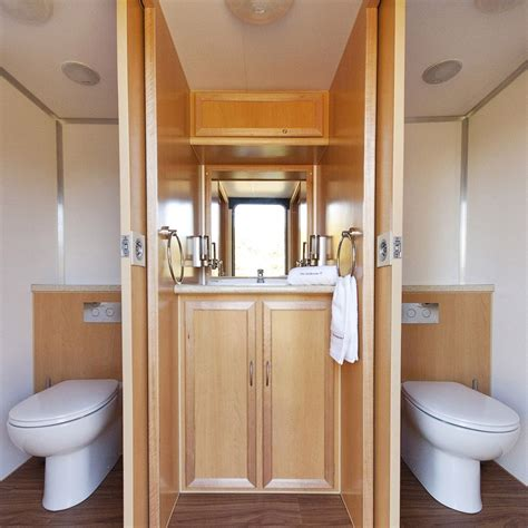 deluxe portable toilets  bathrooms  hire  south