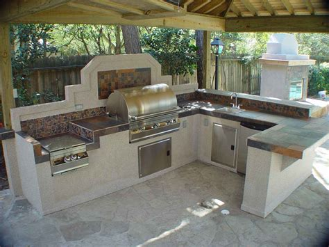 creating outdoor kitchens ideas