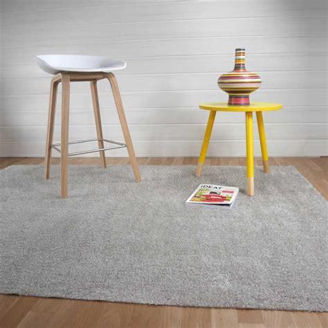 tapis gris clair de salle de bain sur mesure