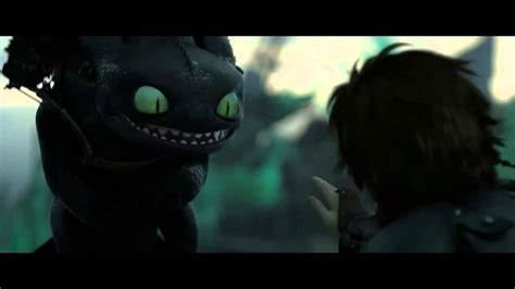 train  dragon  toothless  hiccup