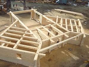 realisations de bois rond charpenterie et autres projets With type de toiture maison 16 batiments annexes maison bois rond