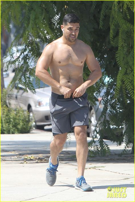 wilmer valderrama bares muscular body   shirtless run