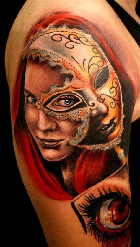 Tatouage Visage D'une Femme Avec Un Masque Inkage