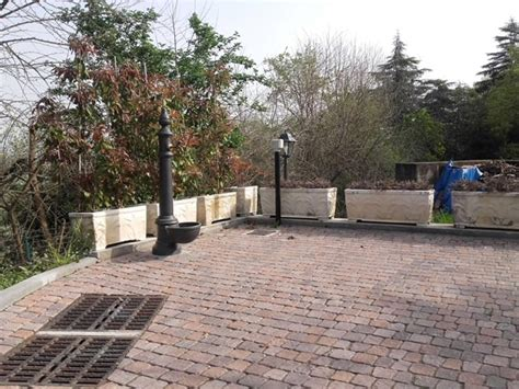 pavimentazione cortile esterno nuova realizzazione di pavimentazione da cortile esterno