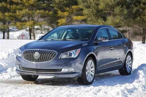 2015 buick lacrosse vs 2015 buick regal what s the