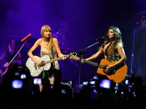 Fotos: Taylor Swift e Paula Fernandes se apresentam juntas ...