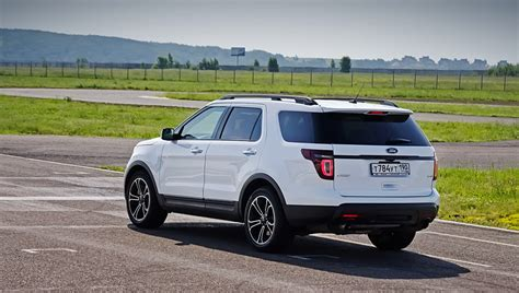 ford explorer sport 7 seater review 2017   ototrends.net