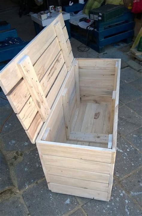 Kiste Aus Paletten Bauen by Wood Pallet Chest Box