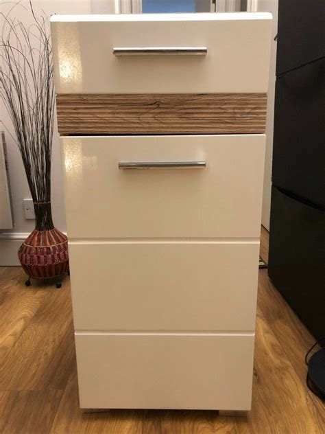 Bathroom Cabinet For Sale by Bathroom Cabinet White High Gloss In Excellent Condition