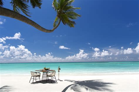 kandima maldives  giving   chance  win