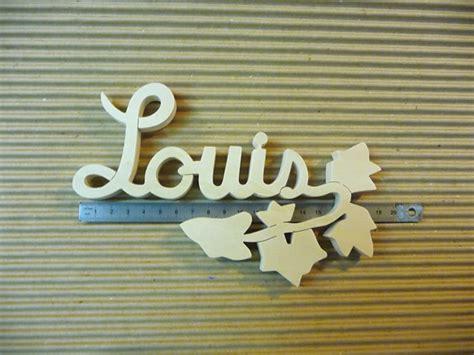 prenom sur porte chambre lettres attachées bois naturel lierre prénoms en bois