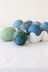 Eier Färben Mit Naturmaterialien : eier f rben mit rotkohl tinkas welt ~ Frokenaadalensverden.com Haus und Dekorationen