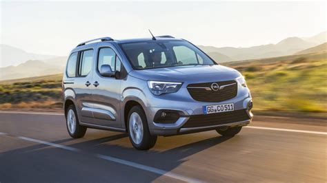 2018 opel combo debuts new architecture seven seat option - Opel Combo 2018