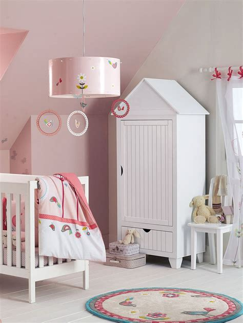 penderie chambre enfant armoire cabine de plage avec penderie enfants