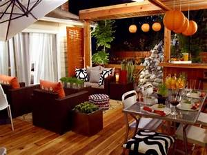 Decorating Living Room With Orange  Red And Green