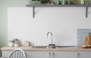 how to tile kitchen splashback kitchen tiles wickes co uk 7369