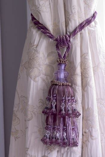 pretty curtain tie backs bedroom ideas
