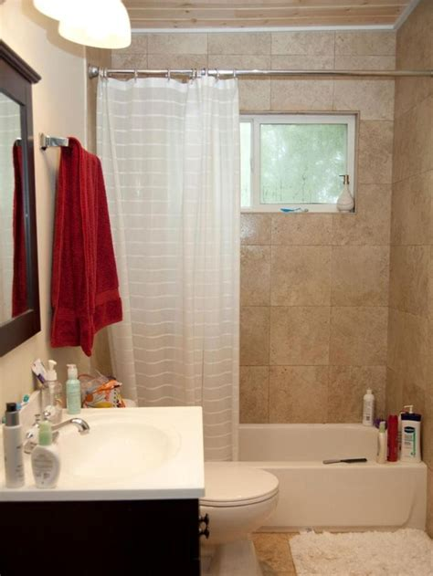 Small Bathroom Makeovers Ideas by 25 Best Ideas About Small Bathroom Makeovers On