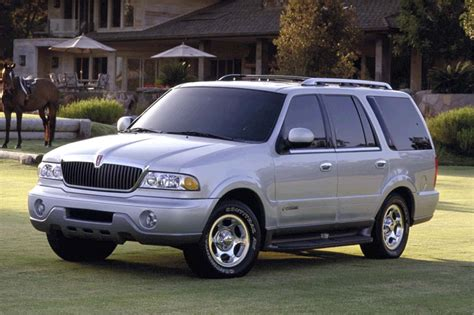 2002 Lincoln Town Car 26s