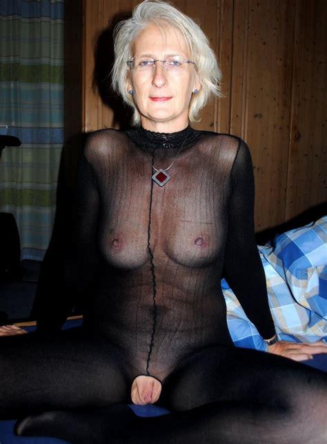 Hottest Canadian Granny Nude Big Photo 1