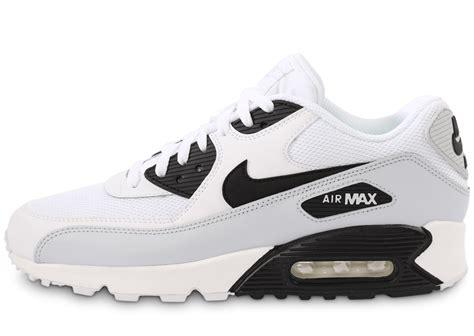 air max blanc nike air max 90 essential blanc et noir chaussures homme chausport