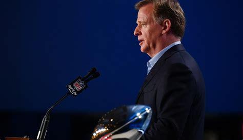 Nfl Super Bowl Liv Commissioner Roger Goodell Press