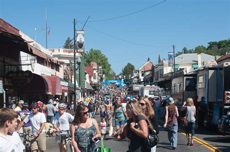 downtown Sonora CA | I think that just about every person ...