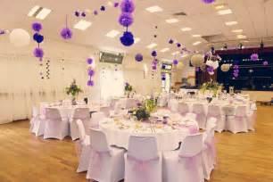 decoration de salle de mariage décoration de salle des fêtes mariage romantique parme mauve lavande violet lilas beige blanc