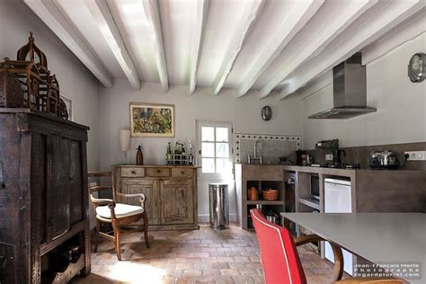cuisine normande traditionnelle cuisine ancienne avec poutres et tomettes cuisine gite
