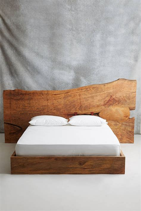 reasons  fall  love    edge headboard