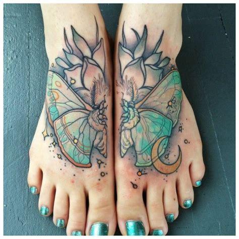 Modes idejas kāju tetovējumiem meitenēm