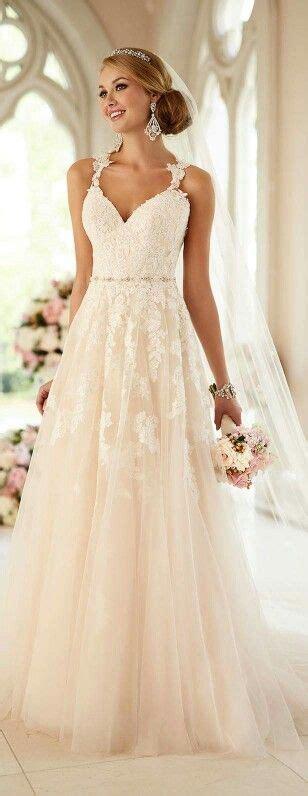 brautkleider fã r dicke 1000 ideeën trouwjurken op trouwjurkstijlen trouwjurken en witte bruidsjurken