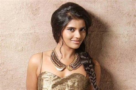 Tamil Actress Aishwarya Rajesh Photos Hot And Sexy Pics Of