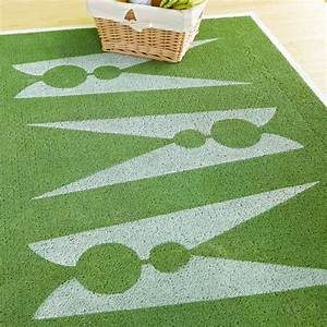 Stencil laundry room rug oh my creative for Cute laundry room rugs