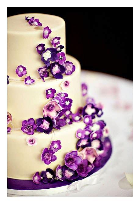 purple wedding cake izzycakes creations izzycakes classes techniques